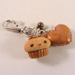 Happy cupcake heart gold