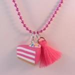 Taartpunt roze ketting