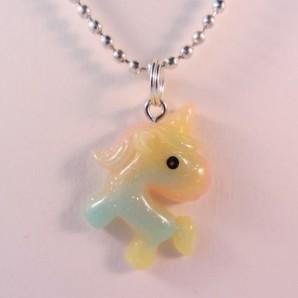 Ketting unicorn resin groen geel