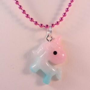 Ketting unicorn resin blauw roze